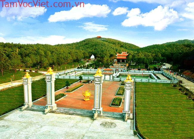Tour Sài Gòn - Huế - Đà Nẵng - Hội An - Bà Nà - Núi Thần Tài 4N3Đ