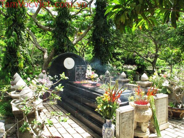 Côn Đảo huyền thoại về cô sáu linh thiêng