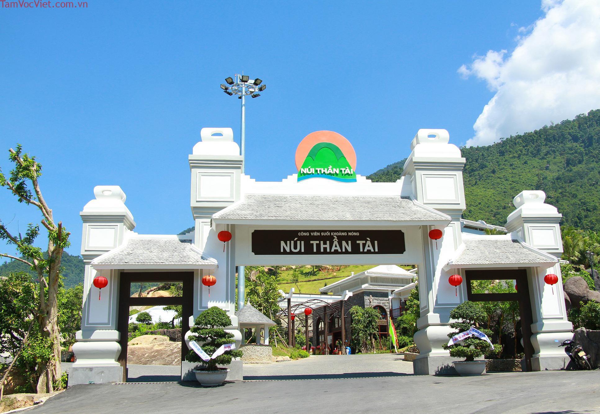 Tour Suối Khoáng Nóng Núi Thần Tài 1 Ngày