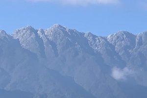 Chinh phục núi tuyết Fansipan, trải nghiệm cái rét âm độ Sapa sương phủ