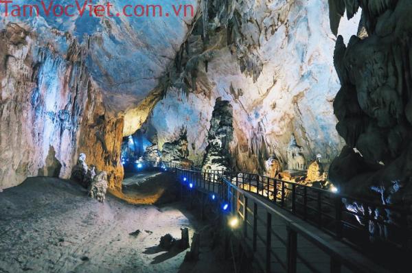 Tour Đà Nẵng – Động Thiên Đường – Suối Nước Moọc 3 Ngày 2 Đêm